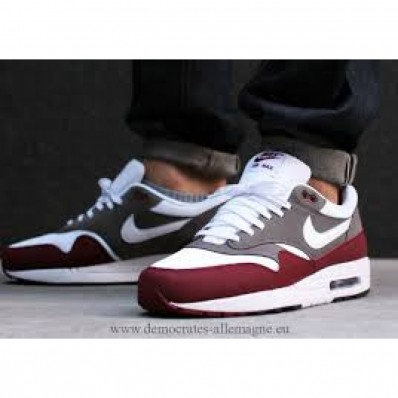 chaussures homme nike air max 1